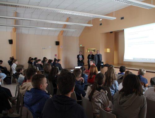 Rencontre des élèves de 3èmes avec l'Association du Souvenir Français sept 2018